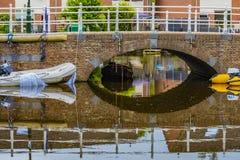 传统风景在阿尔克马尔村庄  荷兰荷兰 免版税库存照片