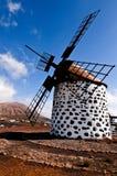 传统风车在费埃特文图拉岛 库存图片