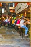传统食物和饮料市场,蒙得维的亚,乌拉圭 库存图片