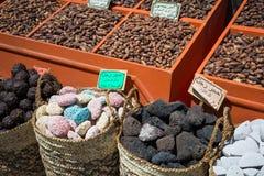 传统香料义卖市场用草本和香料在阿斯旺,埃及 免版税库存图片