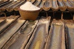 传统amed巴厘岛盐的海运 库存照片