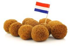 传统bitterbal叫的荷兰语实际的快餐 图库摄影