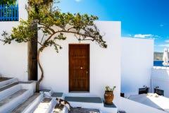 传统Cycladic建筑学在Adamas,芦粟 免版税库存照片