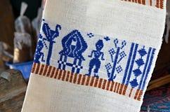 传统Ikat被编织的布料,龙目岛,印度尼西亚 免版税库存图片