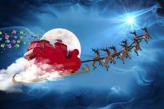 传送礼品的圣诞老人 免版税库存图片