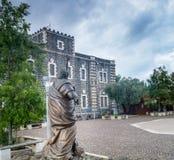 传道者彼得和C的方济会修士修道院的雕塑 库存照片