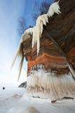 传道者海岛冰洞结冰的瀑布,冬天 库存图片