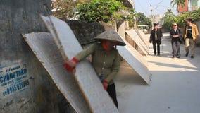 传统上在太阳的做的宣纸干燥 影视素材