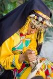 传统上巴巴里人衣裳的女孩 免版税图库摄影