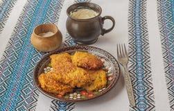 传统乌克兰自创土豆薄烤饼在切尔诺夫策 库存图片