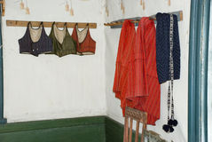 传统五颜六色的瑟米在赫尔辛基,芬兰穿衣 免版税库存照片