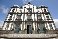 传统亚速尔群岛教会在弗洛勒斯海岛 诺萨Senhora da精读 免版税图库摄影