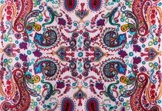 传统佩兹利样式丝绸头巾 免版税库存照片