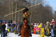 传统俄国国庆节致力于冬天的终止:Maslenitsa 庆祝 3月17,2013 Gatchina 免版税图库摄影