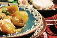 传统保加利亚土豆盘 库存照片