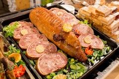 传统匈牙利食物在布达佩斯圣诞节市场上, 12月 免版税库存图片