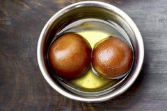传统印地安甜点Gulab Jamun 免版税库存图片