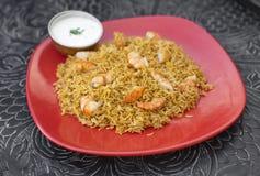 传统印地安食物大虾Biryani用米 免版税库存照片