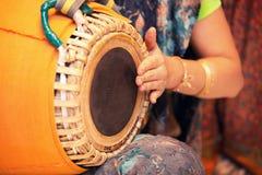 传统印地安tabla鼓关闭  免版税库存图片