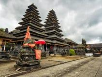 传统巴厘语建筑学。Pura Besakih寺庙 免版税库存照片