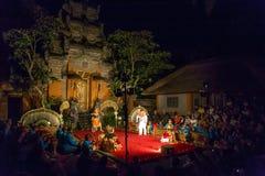 传统巴厘语Legong和Barong舞蹈 库存照片