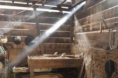 传统厨房仍然使用木柴 库存照片