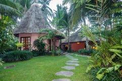 传统和古色古香的巴厘语样式别墅设计 免版税图库摄影