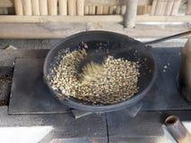 传统咖啡豆烤 免版税图库摄影