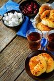 传统土耳其小圆面包 Achma 免版税库存照片