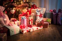 传统圣诞前夕在家 免版税库存照片