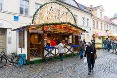 传统圣诞节市场在老镇波茨坦。 库存图片