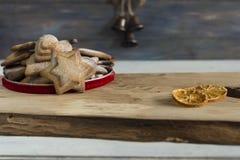 传统圣诞节香料饼干 图库摄影