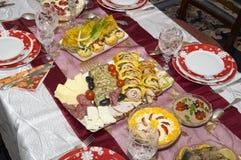 传统家庭做的圣诞节食物 免版税库存图片