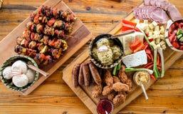传统家庭做的罗马尼亚和摩尔多瓦食物 免版税图库摄影