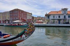 传统小船在Vouga河,阿威罗,葡萄牙 图库摄影