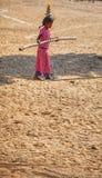 传统市场在普斯赫卡尔 女孩绳索舞蹈家 免版税库存照片