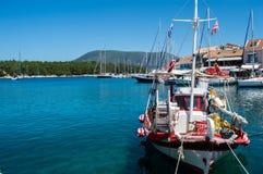 传统希腊捕鱼船 图库摄影