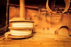 传统干酪制造 免版税库存照片