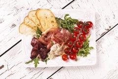 传统意大利开胃菜的分类 库存图片