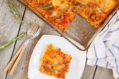 传统意大利的烤宽面条 图库摄影