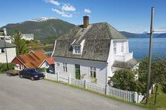 传统挪威水管的外部在Balestrand,挪威 免版税库存照片