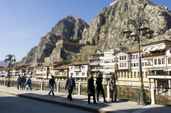 传统无背长椅议院在阿马西亚,土耳其 免版税库存照片