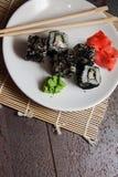 传统日本鱼子酱卷 免版税库存图片