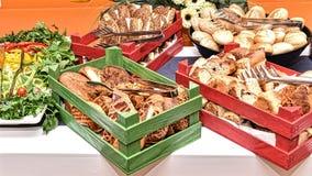 传统早餐桌在土耳其 图库摄影