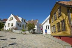 传统木房子的外部在斯塔万格,挪威 图库摄影
