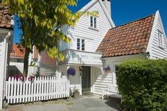 传统木房子的外部在斯塔万格,挪威 库存图片