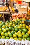 传统水果市场在印度。 免版税库存照片