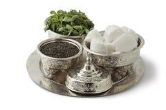 传统欢乐摩洛哥银色茶具 库存照片
