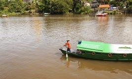 传统河船沙捞越,马来西亚 免版税图库摄影