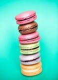 传统法国五颜六色的macarons 免版税图库摄影